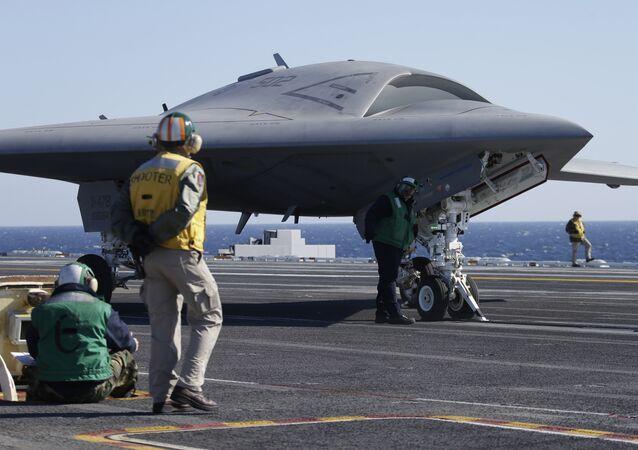 Un drone X-47B