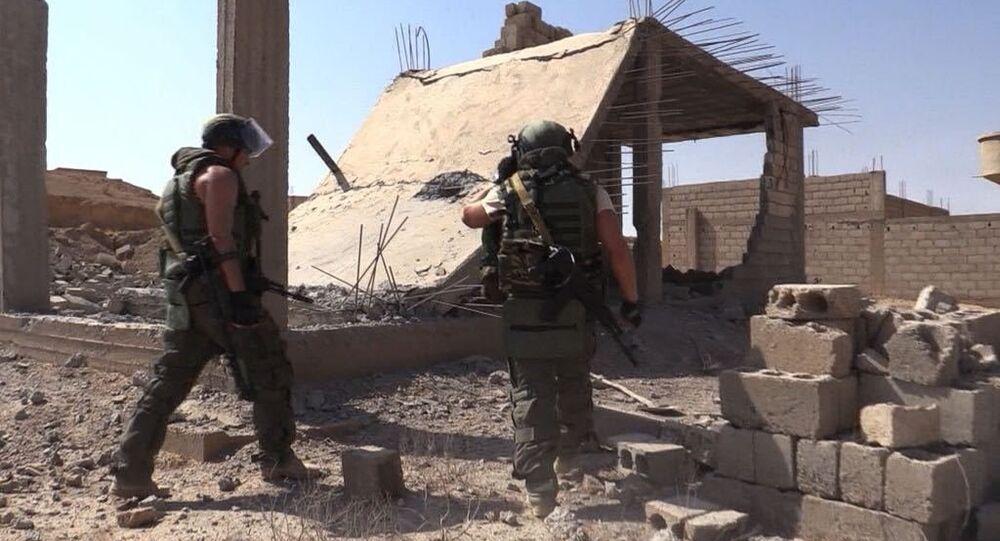 Une opération de déminage à Deir ez-Zor, en Syrie