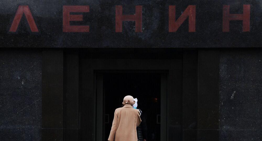 Devant le mausolée de Lénine