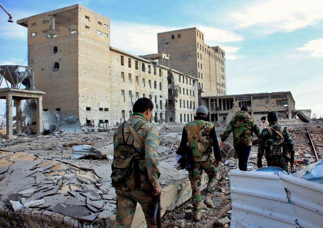 Les militaires syriens à Deir ez-Zor (image d'archives)