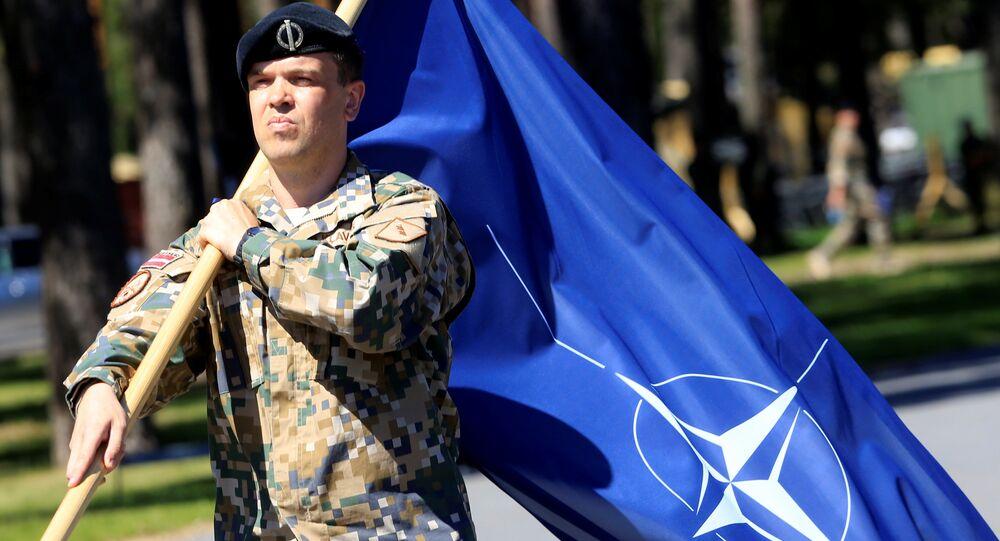 Soldat letton de l'Otan