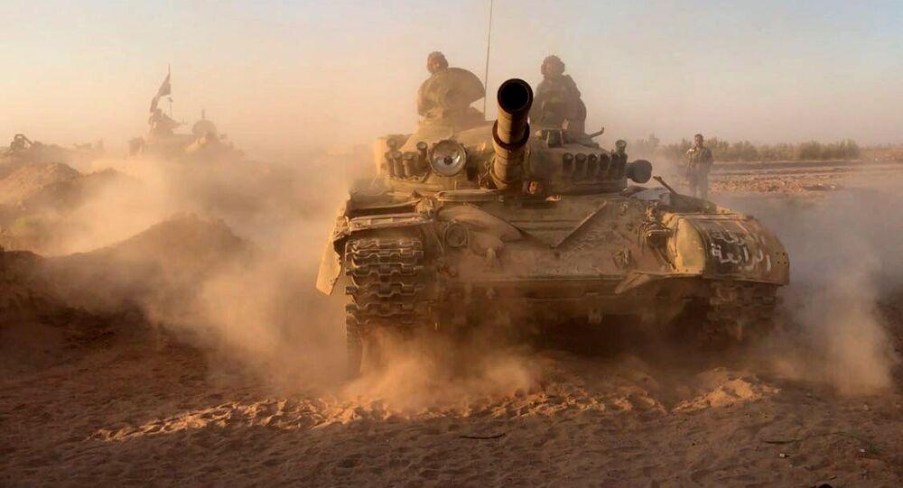 Des chars de l'armée syrienne