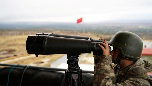 Un soldat turc à la frontière avec la Syrie - Sputnik France