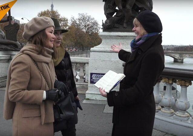 Sputnik offre des free hugs à Paris