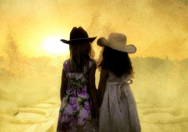 deux filles, image d'illustartion
