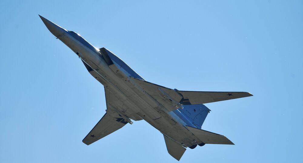 Un bombardier à long rayon d'action Tu-22M3