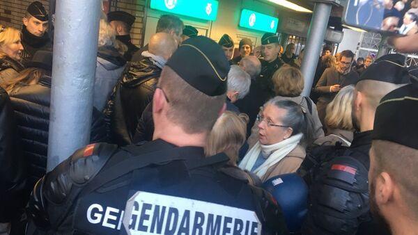 Manifestation Défendons l'Europe interdite à Paris (25 novembre 2017) - Sputnik France