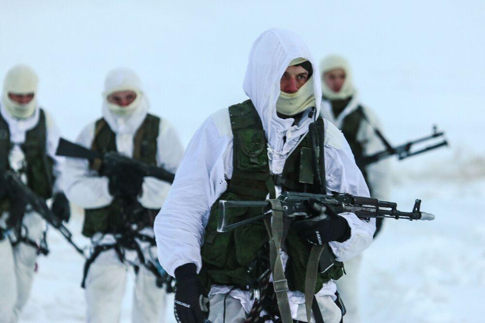 La formation des fusiliers marins de la Flotte du Nord dans la région de Mourmansk
