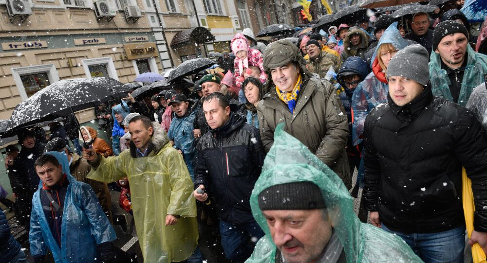 Une manifestation pour la destitution du Président Porochenko à Kiev (vidéo)