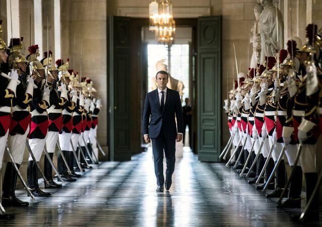 Emmanuel Macron i