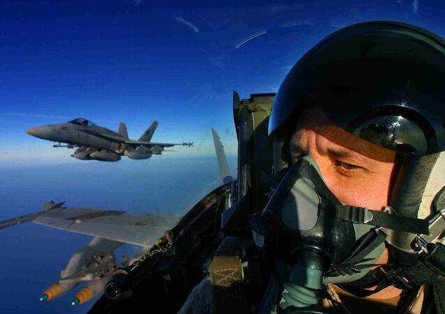 Un pilote d'un F/A-18
