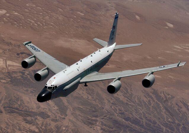 Un avion US s'approche de la frontière russe en mer Baltique