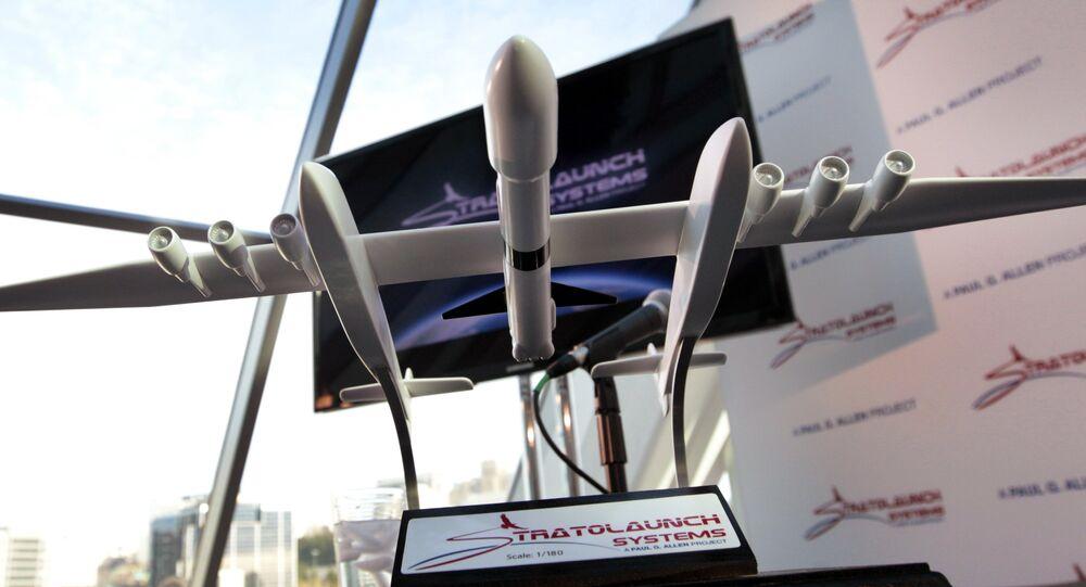 Une maquette de l'avion géant Stratolaunch