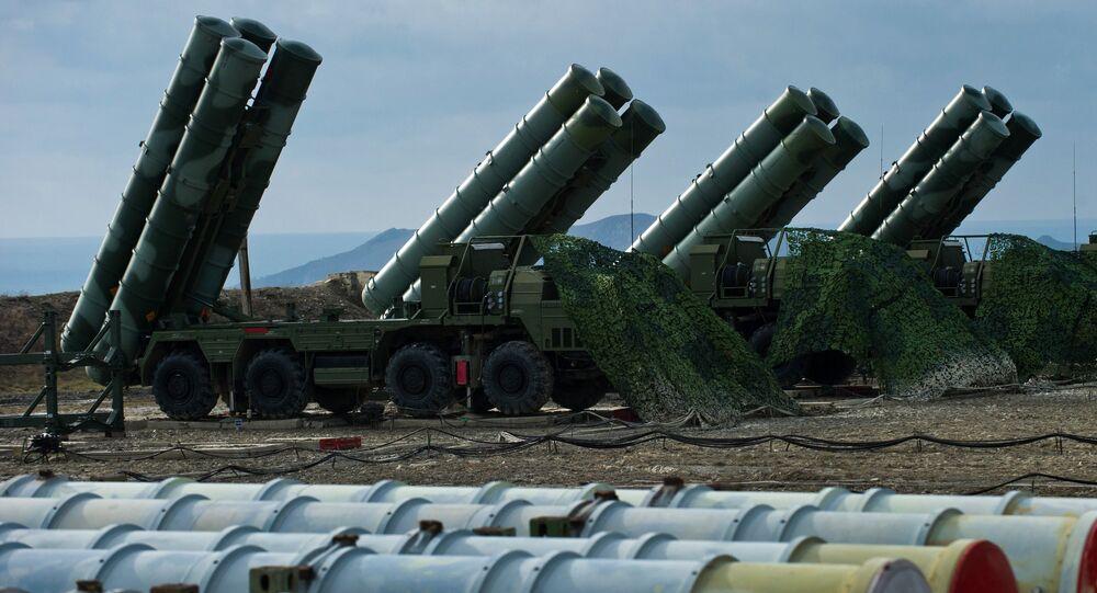 Un régiment de systèmes de missiles sol-air S-400