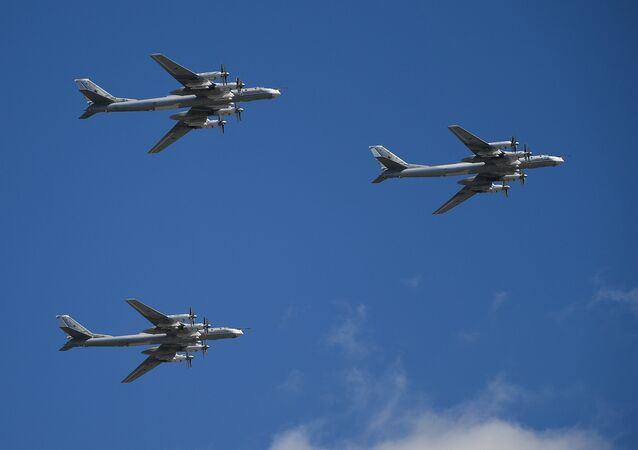 Des bombardiers stratégiques russes Tu-95MS