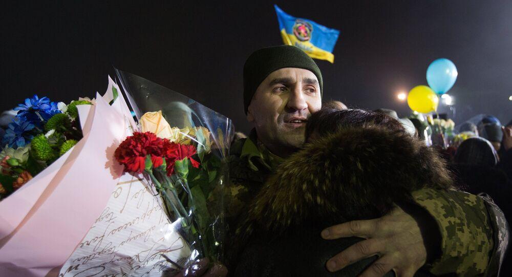 Самолет с переданными ДНР и ЛНР украинской стороне пленными приземлился под Киевом
