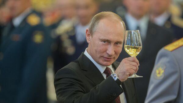 В.Путин на приеме в честь выпускников военных академий в Кремле - Sputnik France