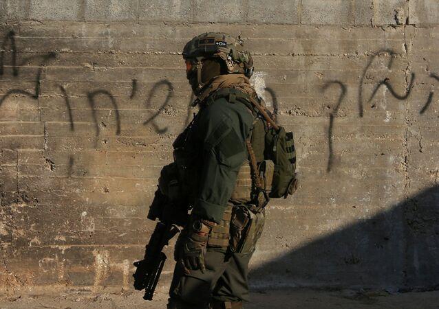 Soldat israélien en Cisjordanie