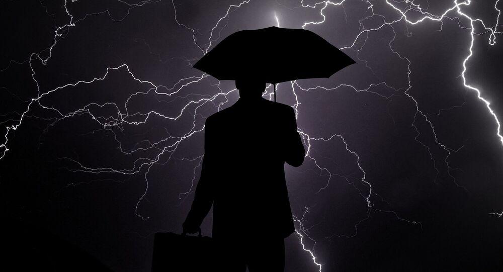 Silhouette d'un homme, image d'illustration