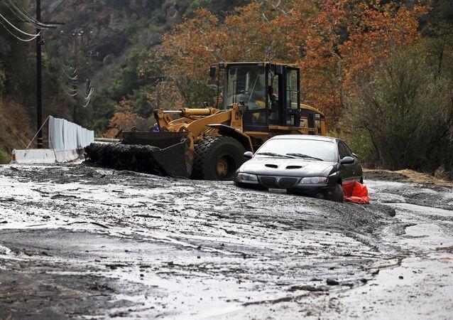 Une coulée de boue à l'est de Los Angeles, en Californie