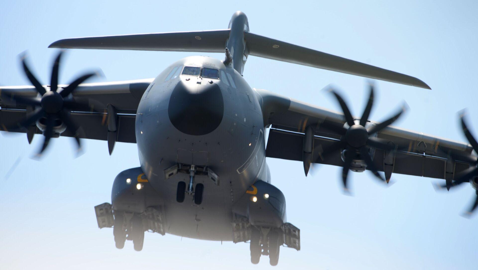Военно-транспортный самолет Airbus A400M на Международном авиасалоне Ле Бурже-2017 во Франции - Sputnik France, 1920, 04.09.2021