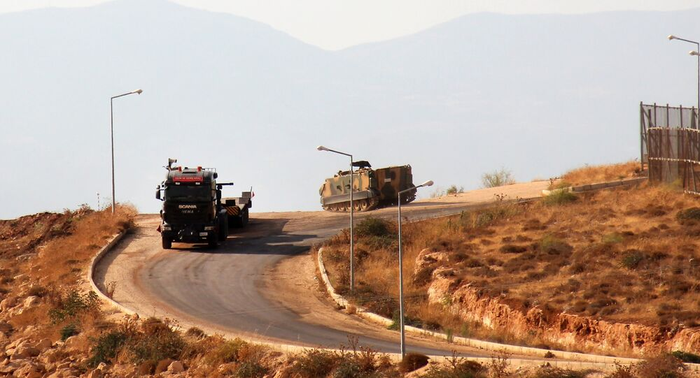 L'équipement militaire turc à la frontière avec la Syrie. Photo d'archive