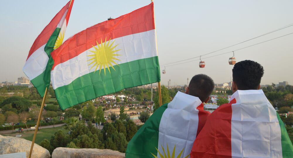 Drapeau du Kurdistan, image d'illustration