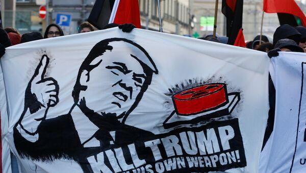 Les manifestations contre la participation de Donald Trump à Davos 2018 dans la ville de Berne - Sputnik France