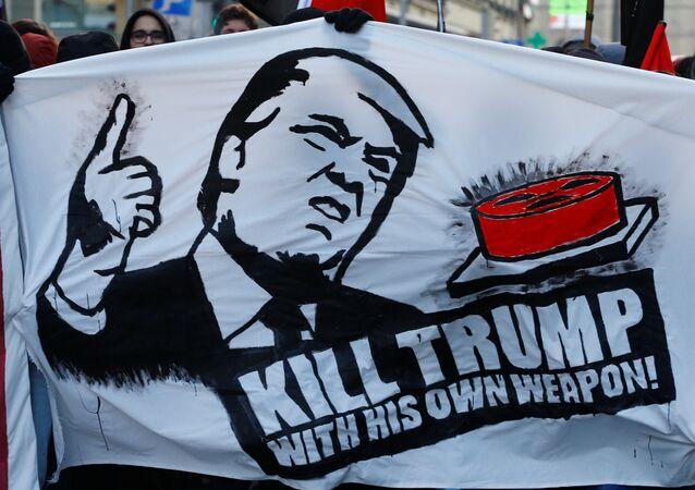Les manifestations contre la participation de Donald Trump à Davos 2018 dans la ville de Berne