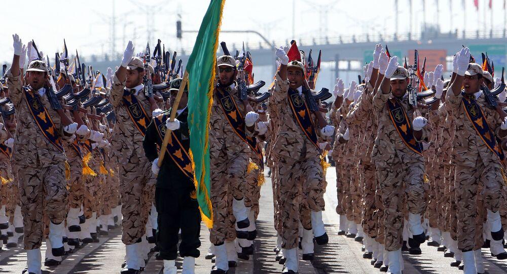 Le corps des Gardiens de la révolution islamique lors d'un défilé