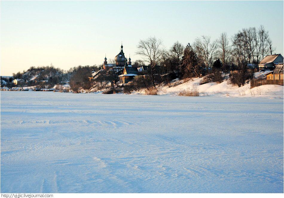 Monastère Saint-Nicolas, situé sur la rive gauche de la rivière Volkhov