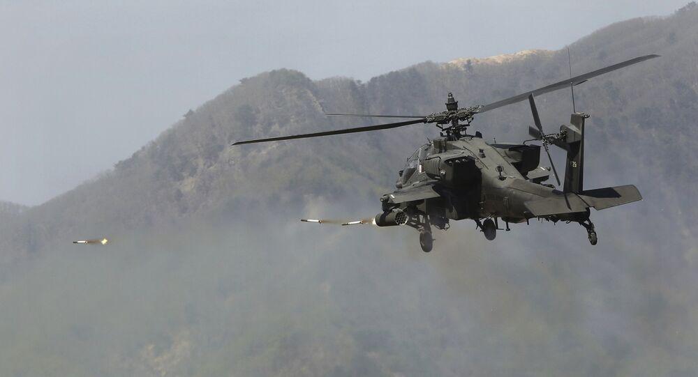 Un hélicopter Apache