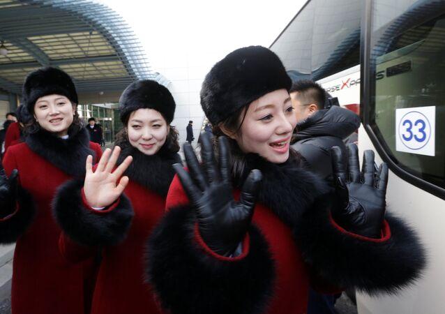 Des pom-pom girls nord-coréennes en Corée du Sud