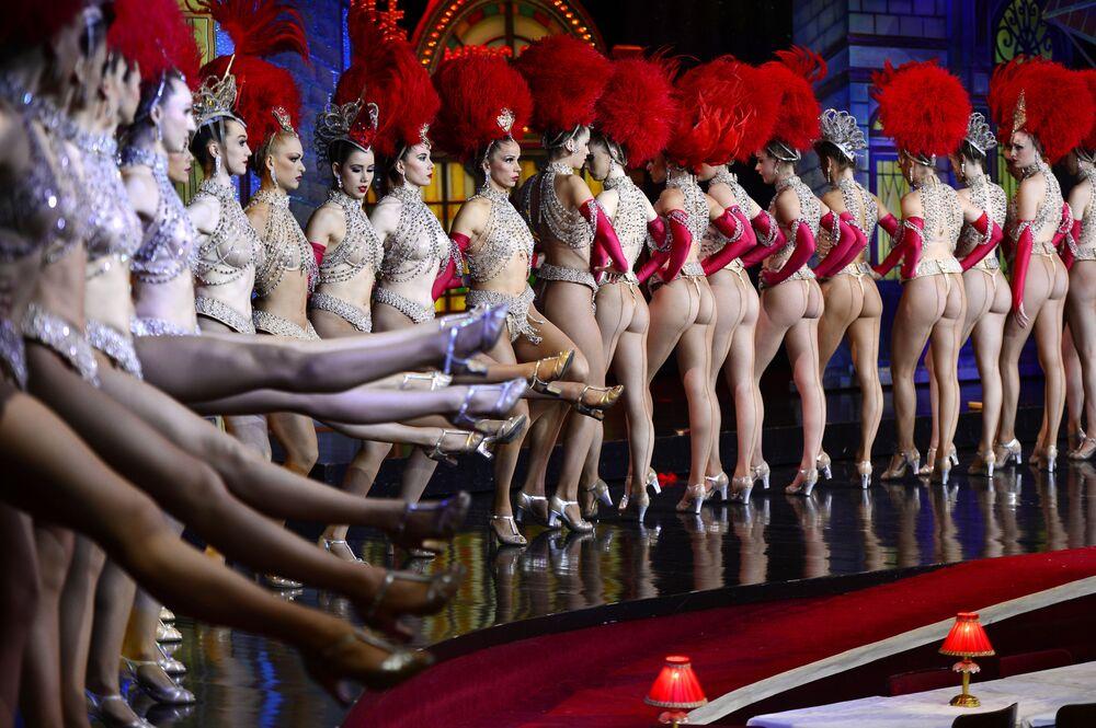 Histoire du striptease en photos