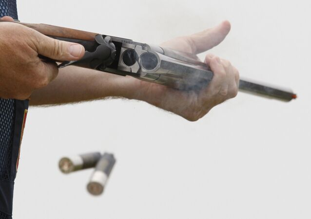 En France, un chasseur vise un sanglier mais touche une «proie» bien plus grosse (image d`illustration)