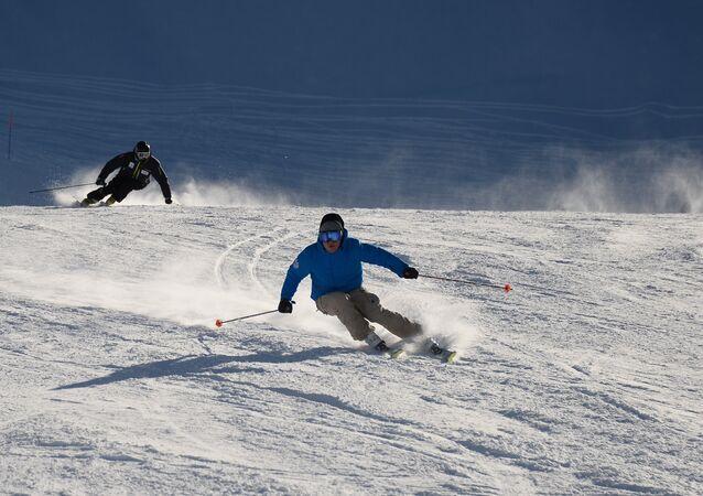 ski, image d'illustration