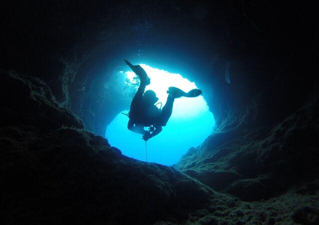 grotte, image d'illustration