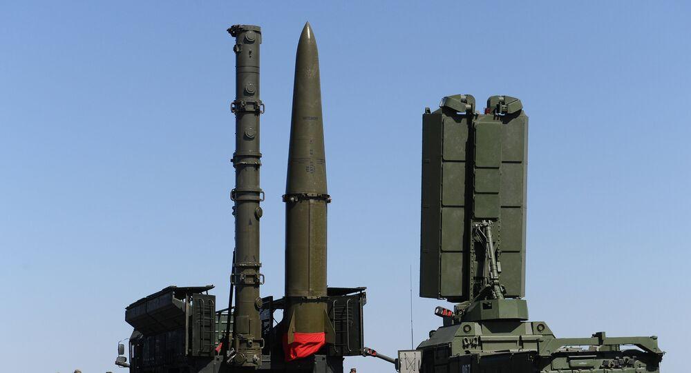 Systèmes de missiles sol-air S-400 Triumph