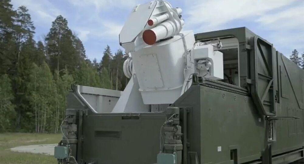 Un complexe laser