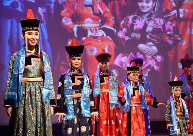Les belles Bouriates du concours Dangina 2018 à Tchita