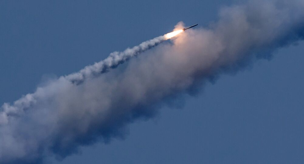 Un missile russe Kalibr visant une cible terroriste en Syrie