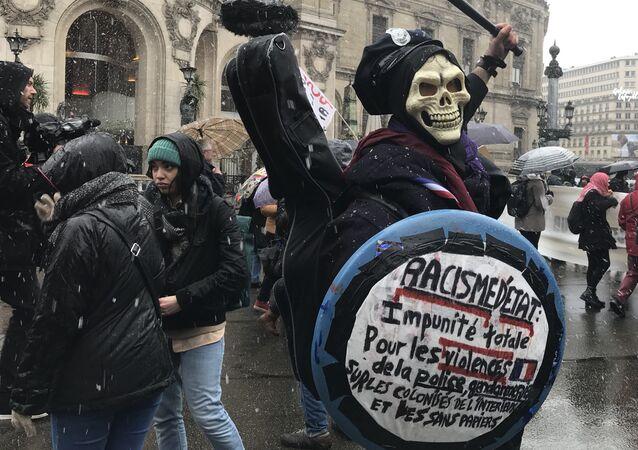 Manifestation à Paris contre les violences policières