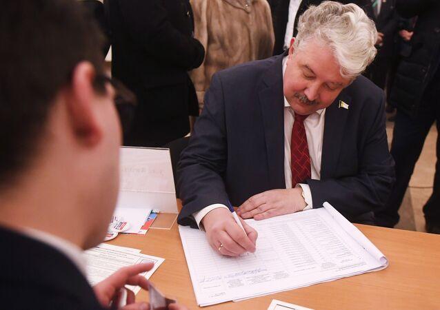 Le candidat de l'Union populaire russe Sergueï Babourine