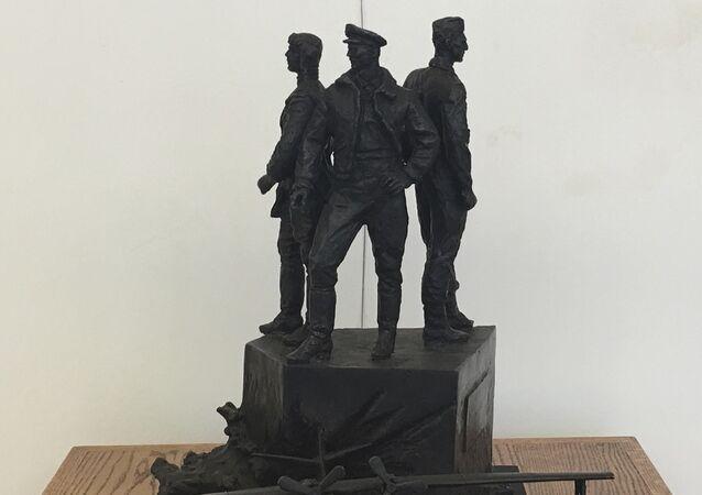 Modèle d'un monument en l'honneur d'aviateurs soviétiques à Elizabeth City