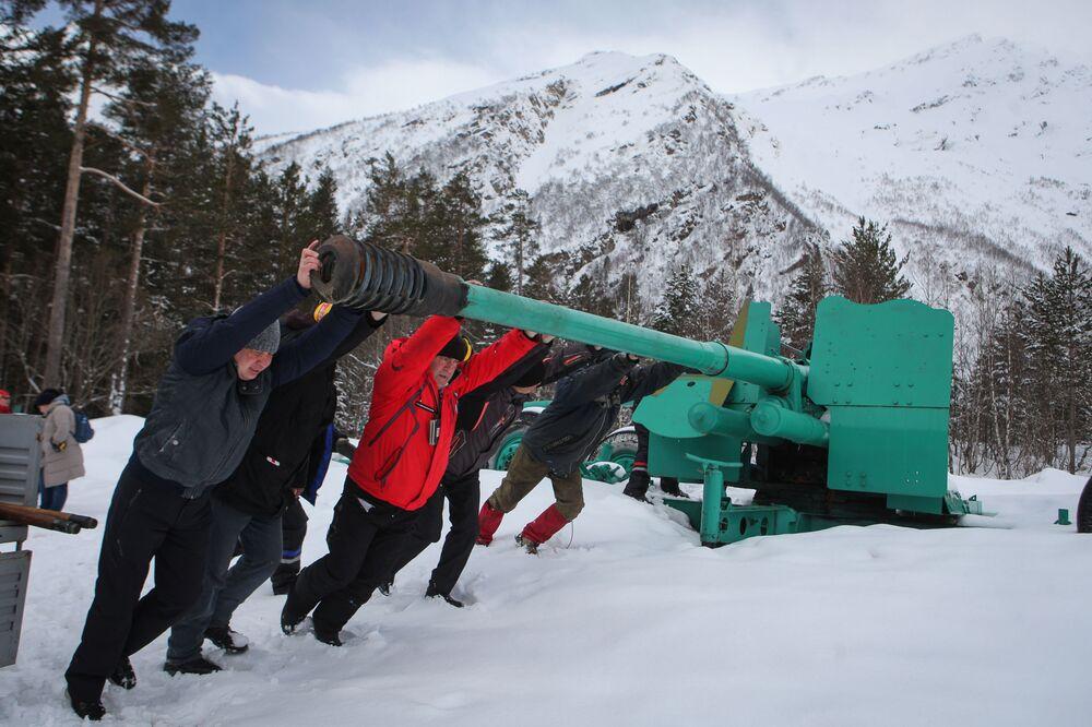 Les «dompteurs» des neiges du détachement de secours en montagne de l'Elbrouz