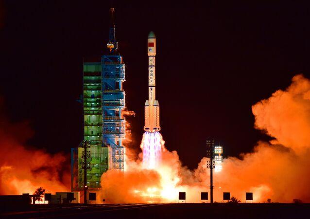 Lancement de la fusée avec le laboratoire chinois Tiangong 2 à bord
