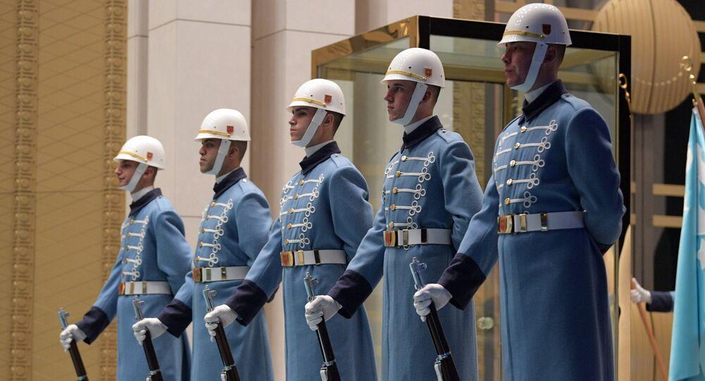 Cérémonie de bienvenue de Poutine à Ankara. Photo d'archive