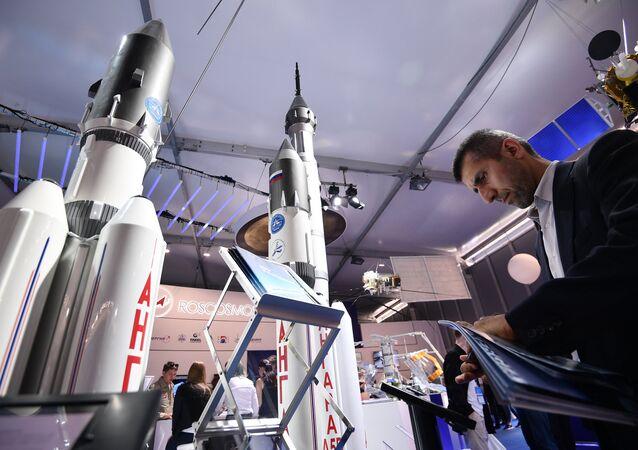 Face à Elon Musk et SpaceX, Roscosmos annonce la couleur
