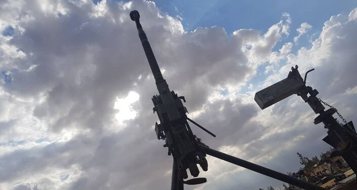 un important stock d'armes remis aux autorités de Qalamoun Est par des radicaux