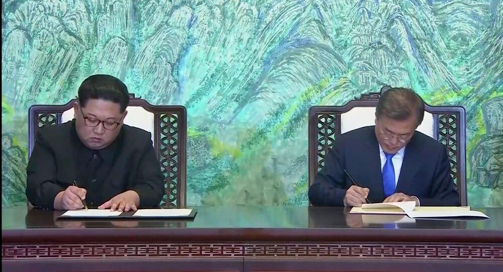 Rencontre entre les dirigeants des deux Corées Kim Jong-un et Moon Jae-in à Panmunjeom